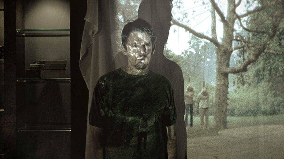 Ethan Hawke in 2012 horror movie 'Sinister'. (Credit: Momentum)