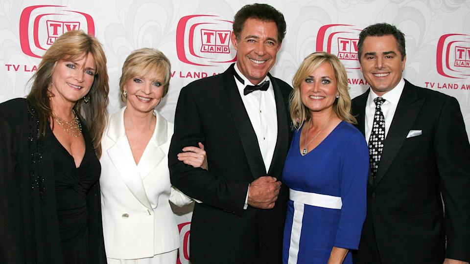 SANTA MONICA, CA - APRIL 14:  (L-R) Actresses Susan Olsen and Florence Henderson, actor Barry Williams, actress Maureen McCormick and actor Christopher Knight pose backstage at the 5th Annual TV Land Awards held at Barker Hangar on April 14, 2007 in Santa Monica, California.
