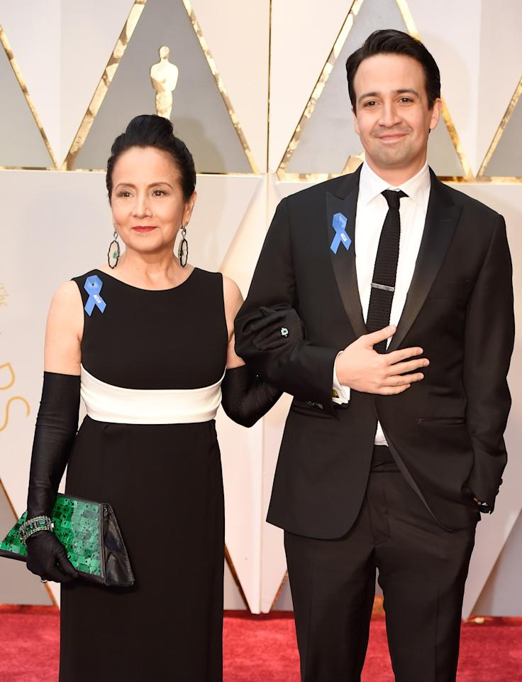 "<p>Another mom-son duo that earns major cuteness points for their matching ensembles and <a rel=""nofollow"" href=""https://ca.style.yahoo.com/kathreen-khavaris-red-carpet-dress-slideshow-wp-214418697.html"">blue ACLU pins</a>. </p>"