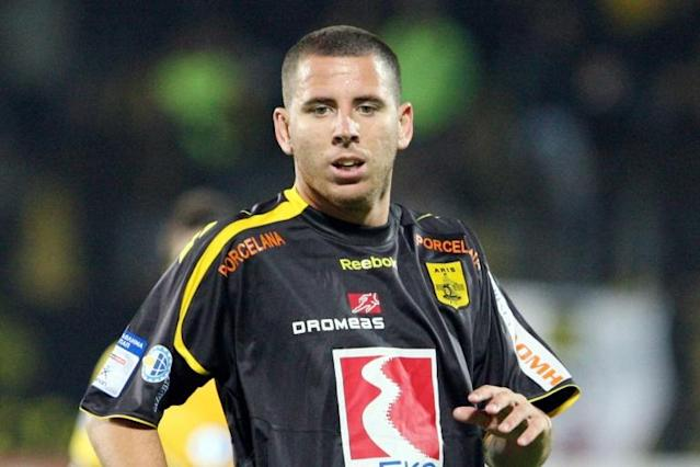 Former Spanish forward Sergio Contreras Pardo, seen here while playing for Aris Thessaloniki in 2009, is suspected of heading a drugs ring (AFP Photo/SAKIS MITROLIDIS)