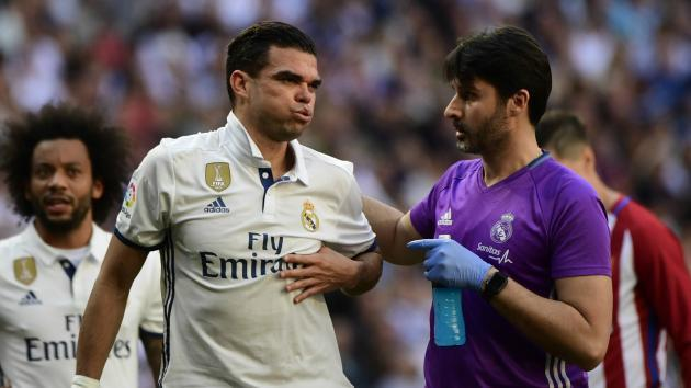 <p>Real Madrid confirm Pepe has broken ribs</p>