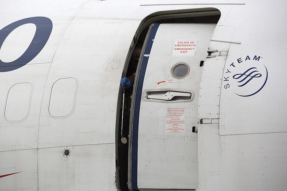 File photo of airplane door (Photo: Getty Images)