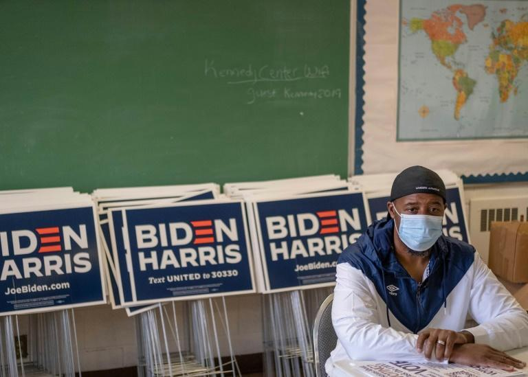 Pastor Chris Martin at Flint's GOTV ( Get out to vote ) Headquarters is hoping to boost turnout in the majority-Black city after a disappointing showing in 2016