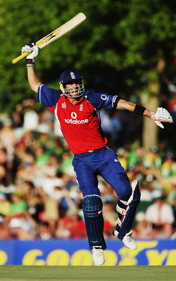 BLOEMFONTEIN, SOUTH AFRICA -  FEBRUARY 2:  Kevin Pietersen of England celebrates his century during the second one day international match between South Africa and England at Goodyear Park on February 2, 2005 in Bloemfontein, South Africa. (Photo by Clive Mason/Getty Images)