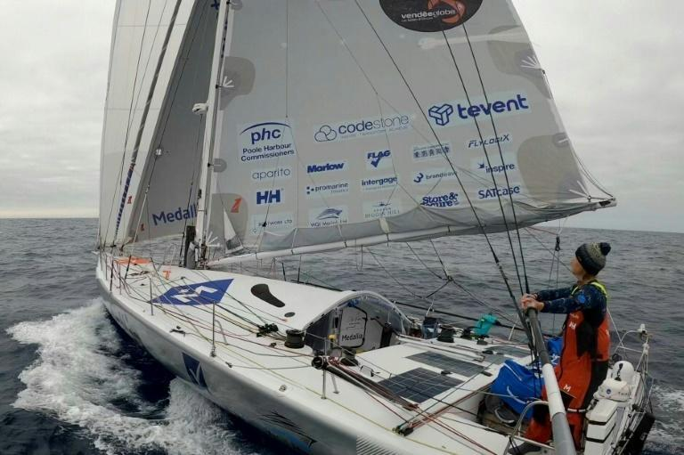 Pip Hare has had to step out of racing mode in order to replace her port rudder