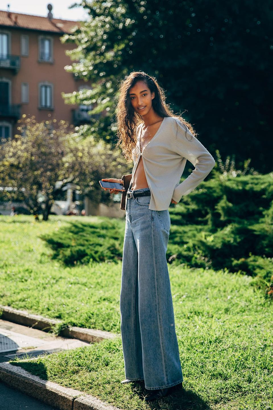 <p>Keep a cardi slightly open with your favorite jeans, and the vibe is way more summer-friendly.</p>