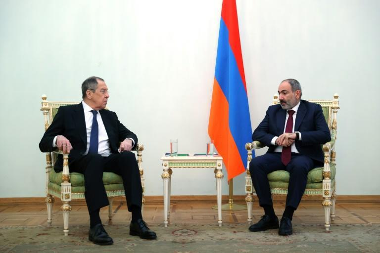 Lavrov (L) met with Pashinyan in Yerevan.