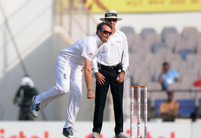Graeme Swann bowls on Day 4 of the fourth cricket Test between India and England at the Jamtha Stadium in Nagpur, Sunday, December 16, 2012.   (c) BCCI