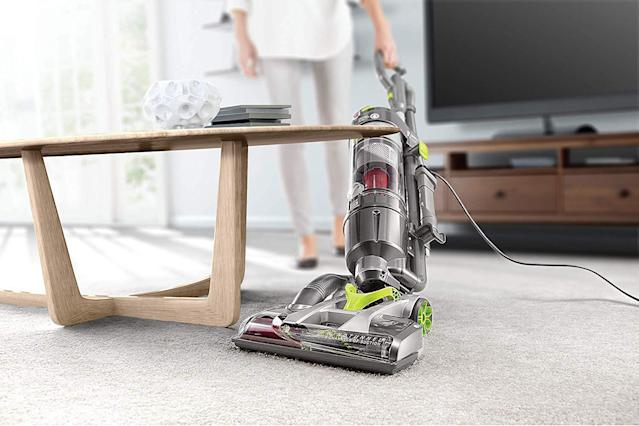 We've looked all over the internet to find the absolute best Black Friday vacuum deals. (Photo: Amazon)