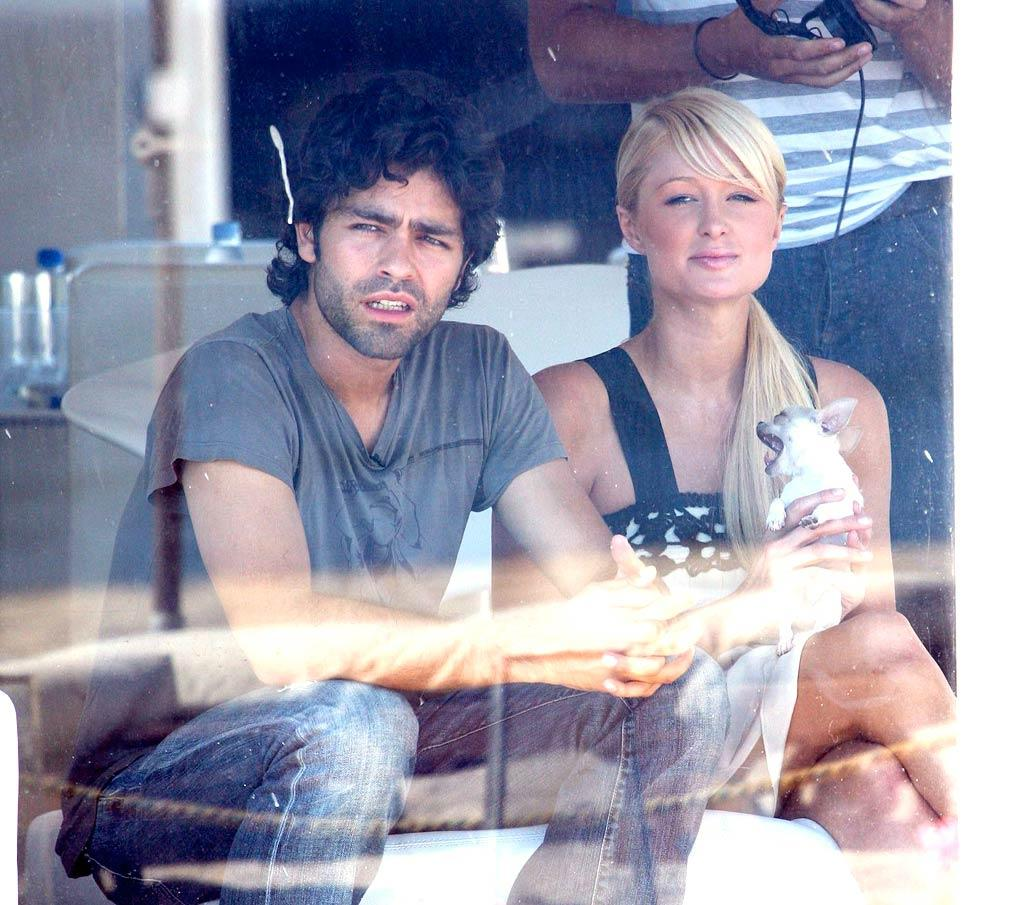 "Red hot couple alert! Paris Hilton was spotted flirting with ""Entourage"" star Adrian Grenier in Malibu. Would Turtle and Drama approve of this hookup? <a href=""http://www.x17online.com"" target=""new"">X17 Online</a> - August 9, 2007"