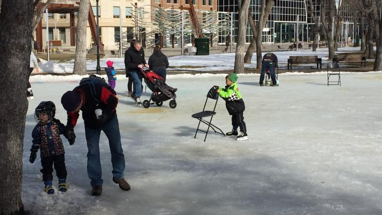 Wrap-up party celebrates successful year for Regina's downtown rink