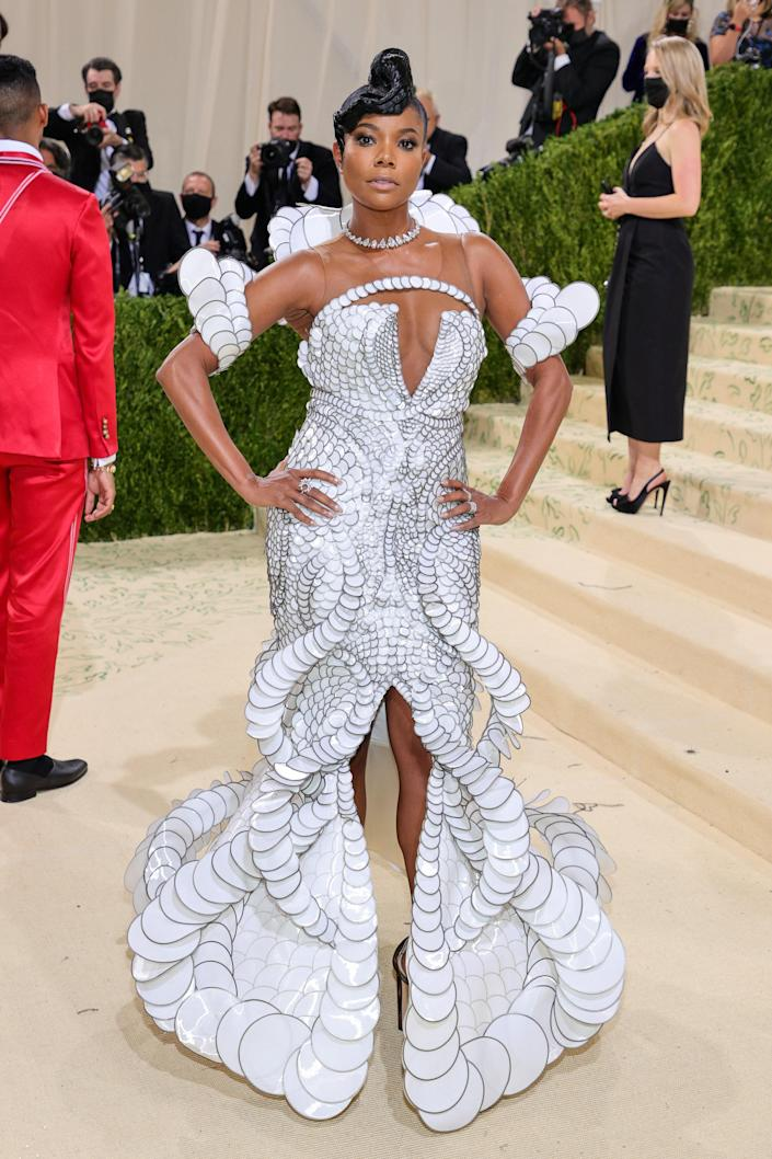 """<h1 class=""""title"""">Gabrielle Union in Iris van Herpen and Jimmy Choo shoes</h1><cite class=""""credit"""">Photo: Getty Images</cite>"""