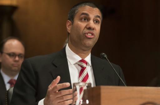 US regulator relaxes media ownership rules