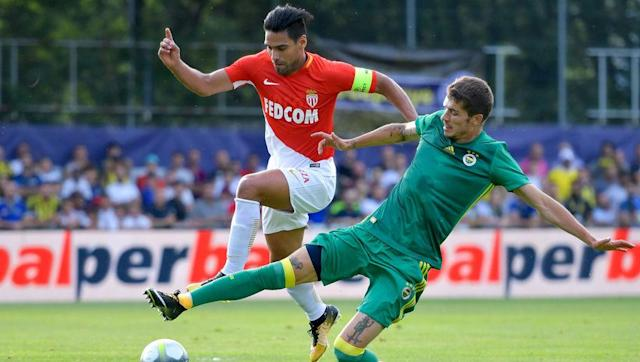 <p>Fans of Manchester United and Chelsea will be scratching their heads in disbelief over the 'Falcao Conundrum', which has seen the Columbian striker shine in every league bar the Premier League.</p> <br><p>Falcao has been in superb form for Monaco so far this season, diligently plugging away with goals while Paris Saint-Germain's superstar signing Neymar makes all the headlines.</p> <br><p>The 31-year-old has been rolling back the years with his performances so far this season, having bagged nine goals in six matches already.</p>