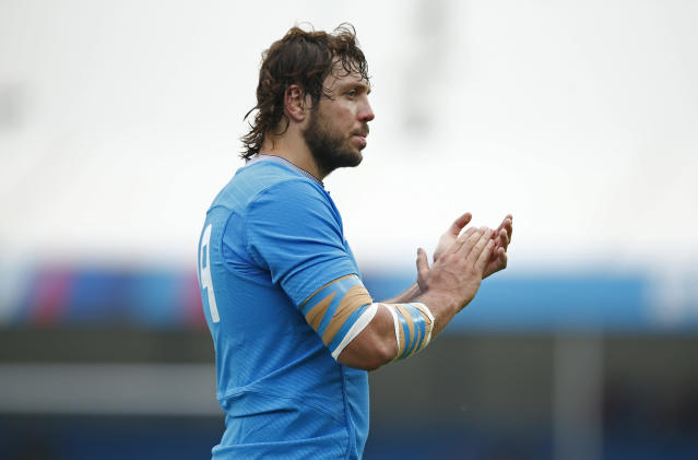 Rugby Union - Italy v Romania - IRB Rugby World Cup 2015 Pool D - Sandy Park, Exeter, England - 11/10/15 Italy's Valerio Bernabo applauds the fans at the end of the match Action Images via Reuters / Andrew Couldridge Livepic