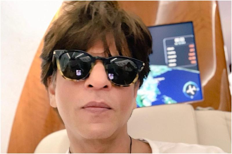Shah Rukh Khan Confesses He's Uncomfortable About Buying Underwear Online, Says It's a Boy Thing