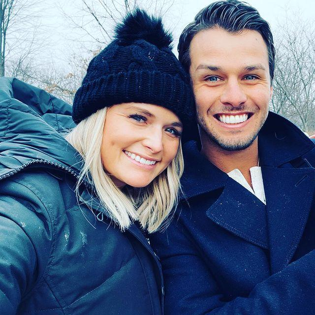 <p>The country singer and her husband Brendan McLoughlin looked cute in their respective selfies on Instagram.</p>