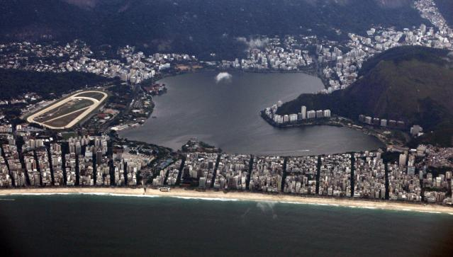 Aerial view of Rodrigo de freitas lagoon in Rio de Janeiro March 22, 2014. Rio de Janeiro is one of the host cities for the 2014 soccer World Cup in Brazil. REUTERS/Paulo Whitaker (BRAZIL - Tags: SPORT SOCCER WORLD CUP CITYSCAPE)