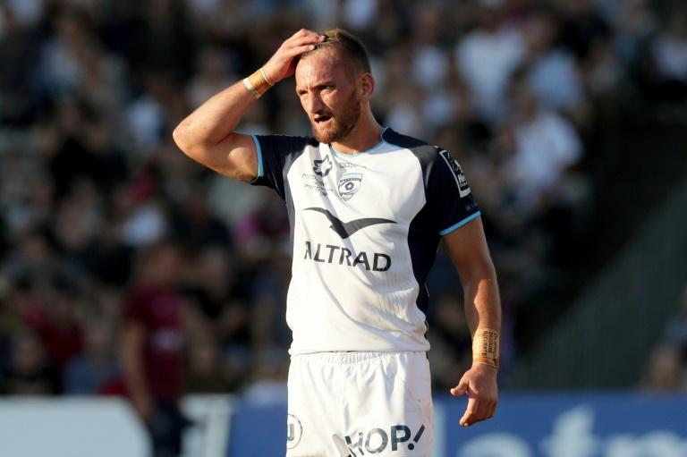 Montpellier's fly-half Aaron Cruden gestures during a French Top 14 rugby union match against Bordeaux-Begles (UBB) September 23, 2017