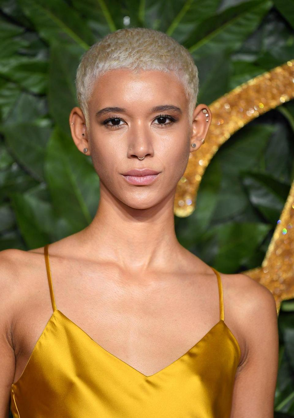 <p>Seriously short and peroxide blonde looks epic on model Dilone.</p>