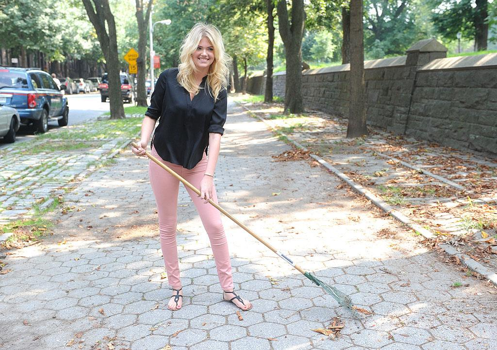 <i>Sports Illustrated</i> swimsuit model Kate Upton teamed with skateboard maker Zoo York and non-profit Stoked Mentoring on Thursday to join students in cleaning up Fort Greene Park in Brooklyn, New York. We just hope she doesn't wear herself out raking all those leaves. (8/23/2102)