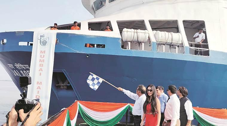 Ferry services between Surat and Mumbai begin