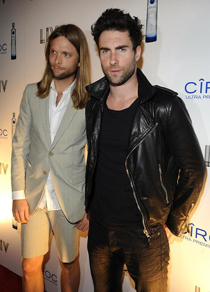 """Maroon 5's James Valentine and Adam Levine arrived at Miami's LIV nightclub without dates, but we're sure they found some inside! Kevin Mazur/<a href=""""http://www.wireimage.com"""" target=""""new"""">WireImage.com</a> - December 31, 2008"""