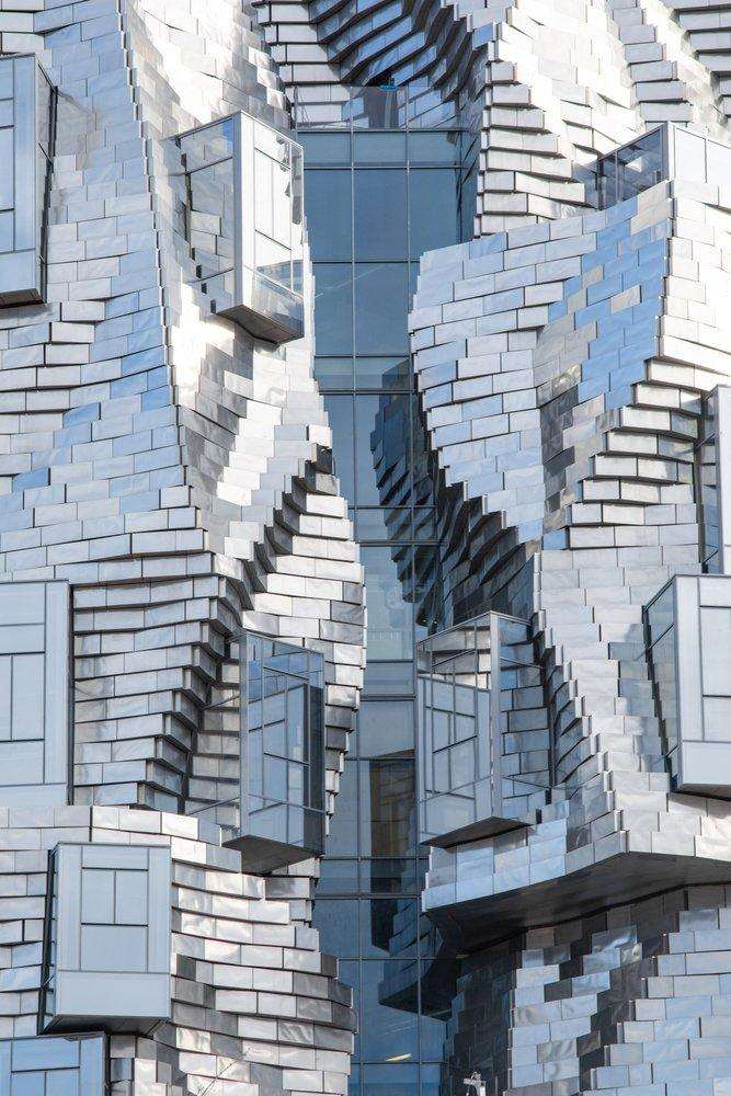 Close-up of the new tower's twisted metal facade.