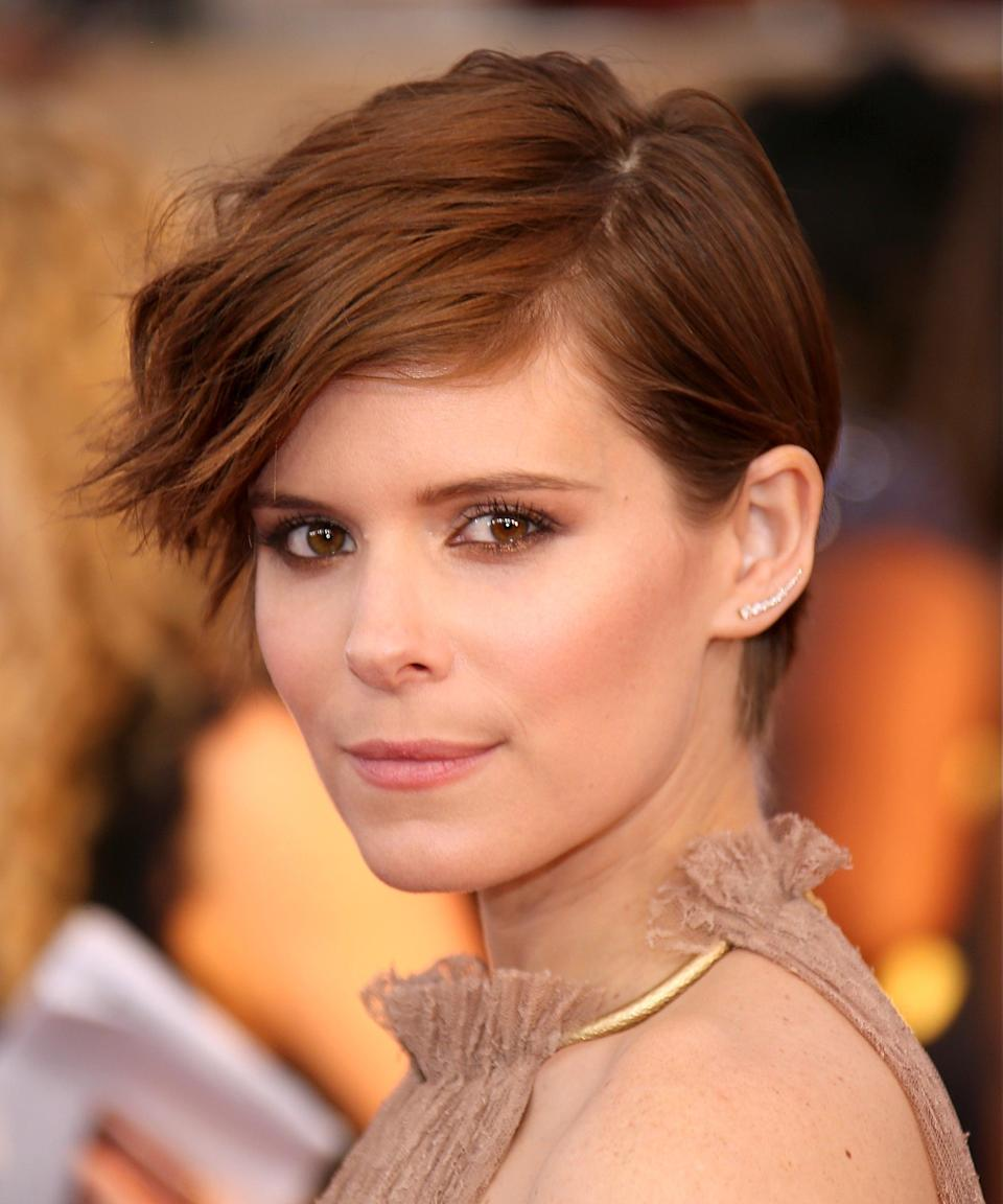 """<strong><h2>Kate Mara</h2></strong>Kate Mara's natural red already looked amazing, but she took the auburn color to another level with her pixie cut at the 22nd Annual Screen Actors Guild Awards in 2016.<span class=""""copyright"""">Photo: Dan MacMedan/WireImage.</span>"""