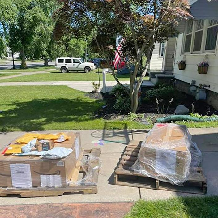 Image: Amazon boxes delivered to Jillian Cannan's home in Buffalo, N.Y., on June 16, 2021. (Courtesy Jillian Cannan)