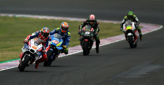 Motorcycle Racing - Argentina Motorcycle Grand Prix - MotoGP race - Termas de Rio Hondo, Argentina - April 8, 2018 - Alma Pramac Racing rider Jack Miller (43) of Australia, Team Suzuki Ecstar rider Alex Rins (42) of Spain, Monster Yamaha Tech 3 rider Johann Zarco (5) of France and LCR Honda Castrol rider Cal Crutchlow of Britain compete. REUTERS/Marcos Brindicci