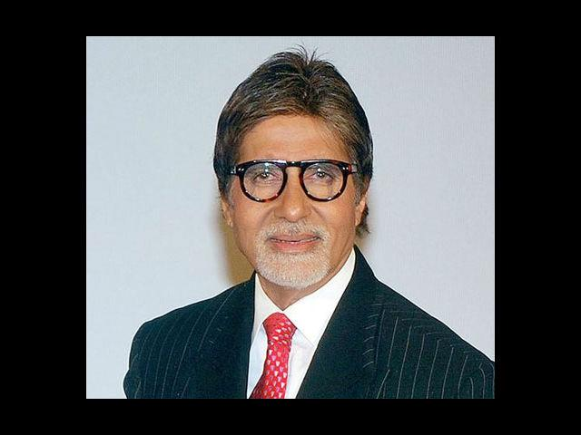 <b>7. Amitabh Bachchan</b><br>This man cannot go wrong. The aura around Amitabh Bachchan is awe-inspiring. His suits on 'Kaun Banega Crorepati' are arguably the second best thing on the show (first being that he wears them). And he looks no less dashing in those denims.