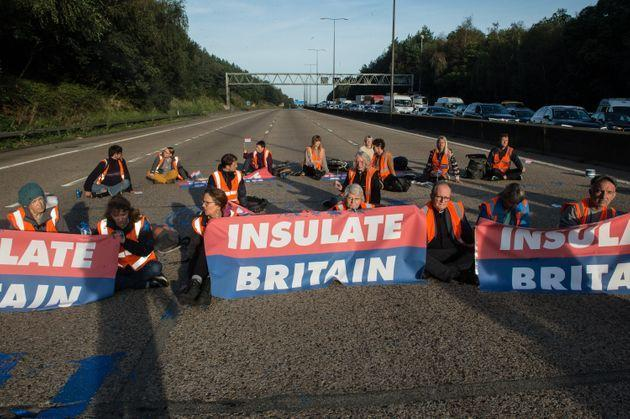 <strong>Protestors from Insulate Britain block the M25 motorway.</strong> (Photo: Guy Smallman via Getty Images)