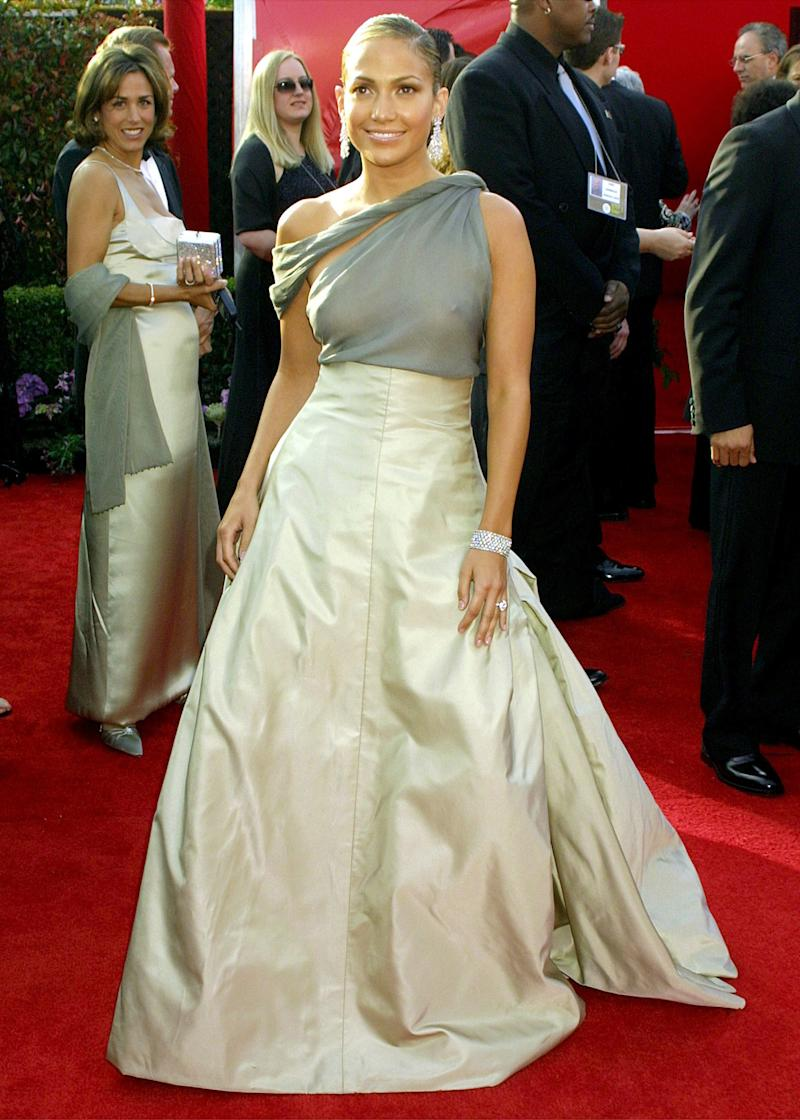 Later that year, Lopez appears in a conservative — by her standards — Chanel ball gown. Jennifer Lopez in Chanel at the 73rd annual Academy Awards in Los Angeles, California, March 2001. Photo by Vinnie Zuffante/Getty Images.