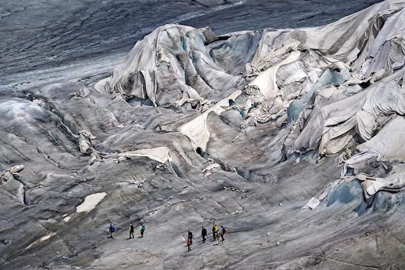 ONE-TIME USE - Rhone Glacier blankets