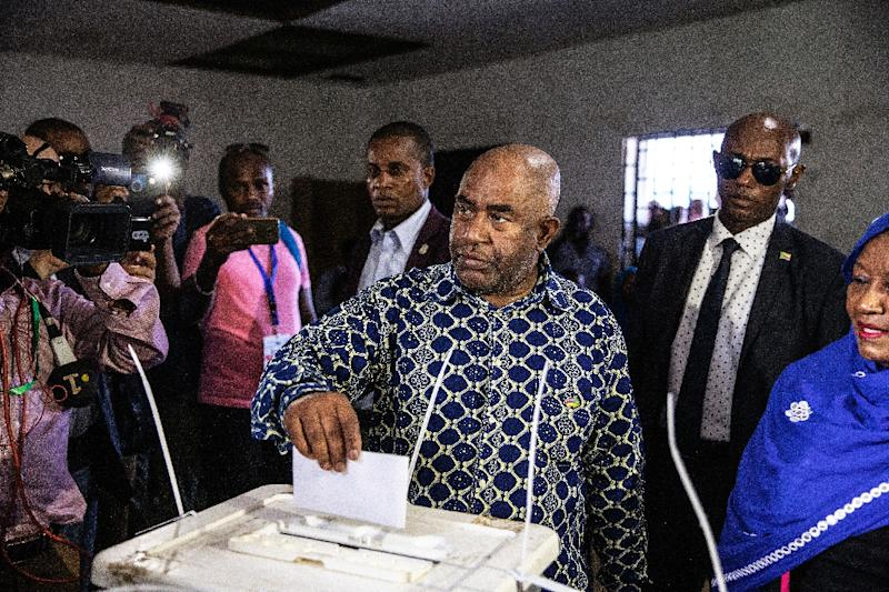 Comoros President Azali Assoumani cast his vote on Sunday (AFP Photo/GIANLUIGI GUERCIA)