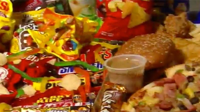 Much like Mexico did in recent years, health experts now want Australia to deliver a national approach on fast food bans. Source: 7 News