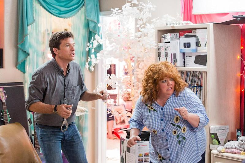 """This undated publicity image released by Universal Pictures shows Jason Bateman, left, and Melissa McCarthy in a scene from, """"Identity Thief."""" (AP Photo/Universal Pictures)"""