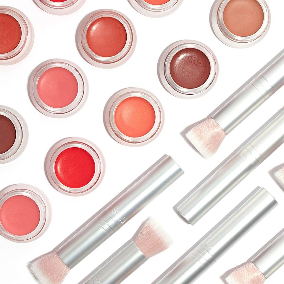 """<p><strong>RMS Beauty</strong></p><p>sephora.com</p><p><strong>$36.00</strong></p><p><a href=""""https://go.redirectingat.com?id=74968X1596630&url=https%3A%2F%2Fwww.sephora.com%2Fproduct%2Flip2cheek-P415647&sref=https%3A%2F%2Fwww.townandcountrymag.com%2Fstyle%2Ffashion-trends%2Fg32701003%2Feco-friendly-gifts%2F"""" rel=""""nofollow noopener"""" target=""""_blank"""" data-ylk=""""slk:Shop Now"""" class=""""link rapid-noclick-resp"""">Shop Now</a></p><p>Not only does this lip-slash-cheek color kill two birds with one stone, it's also non-toxic and made with raw and organic ingredients. </p>"""