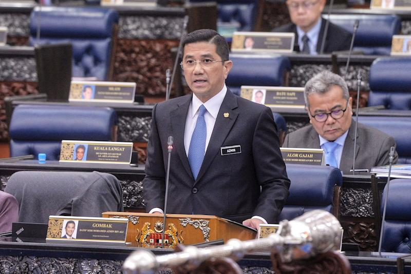 Selangor DAP secretary Ronnie Liu claimed that PKR deputy president Datuk Seri Azmin Ali (pic) who is speculated to be Anwar's rival to the post will have no chance at succeeding Dr Mahathir. — Picture by Shafwan Zaidon