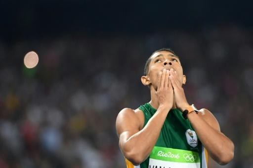 World 400m record holder Wayde van Niekerk says his eyes are fixed on  becoming the first athlete to run inside 43 seconds