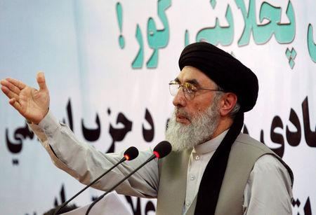 Afghan warlord Gulbuddin Hekmatyar speaks to supporters in Laghman province, Afghanistan April 29, 2017. REUTERS/Parwiz