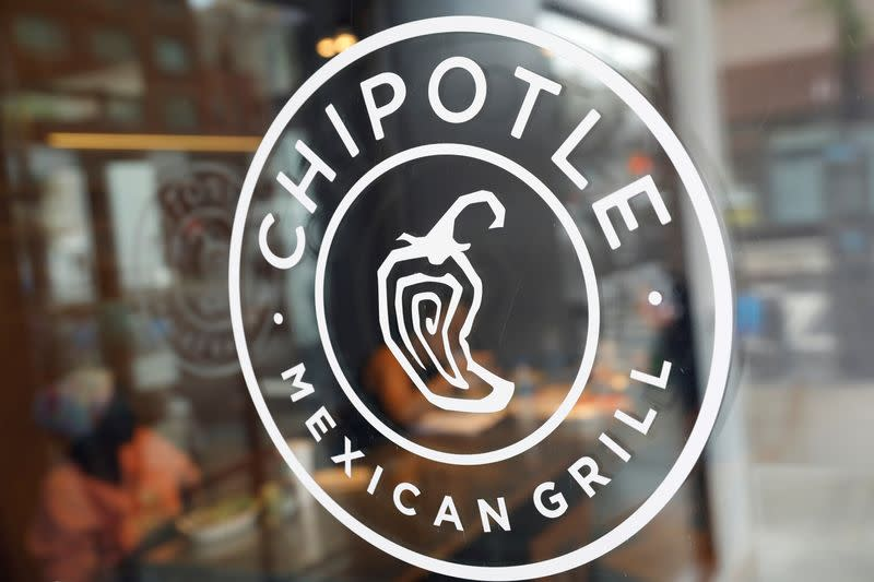 Exclusive: Chipotle, fast food brands set for new wave of hiring