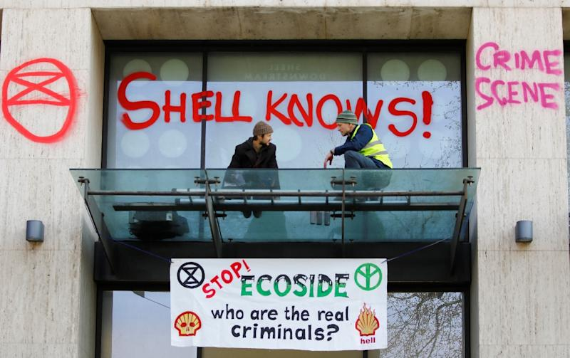 The UK offices of Royal Dutch Shell became a focus of the environmental protest (AFP Photo/Tolga AKMEN)