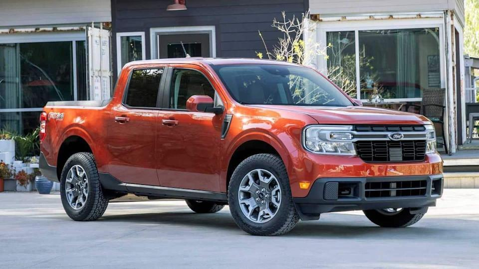 Ford Maverick compact pick-up truck, with two engines choices, launched