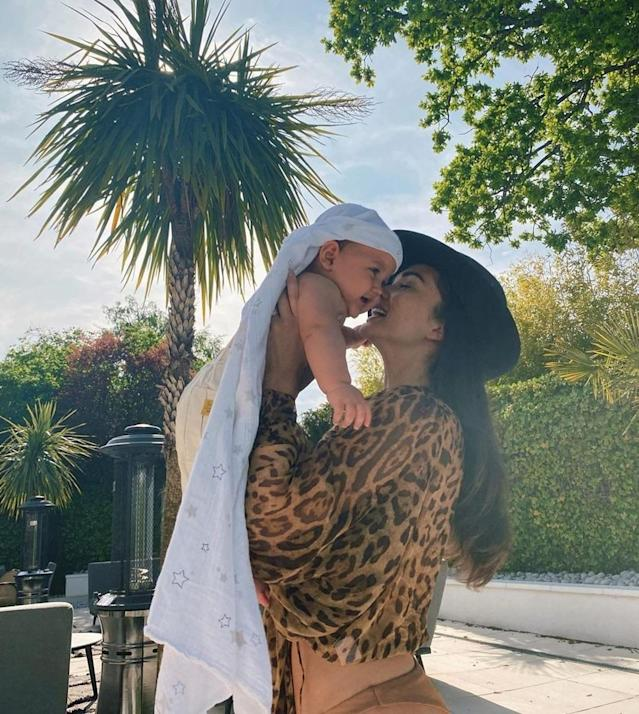 English actress known best for her works in Indian cinema, Amy Jackson had a wonderful Mother's Day with her cute-like-a-button baby Andreas, who was born on September 23rd, 2019. Amy shared a bunch of captivating clicks with her baby boy on Sunday, May 10th, and looks stunning in each one of them.