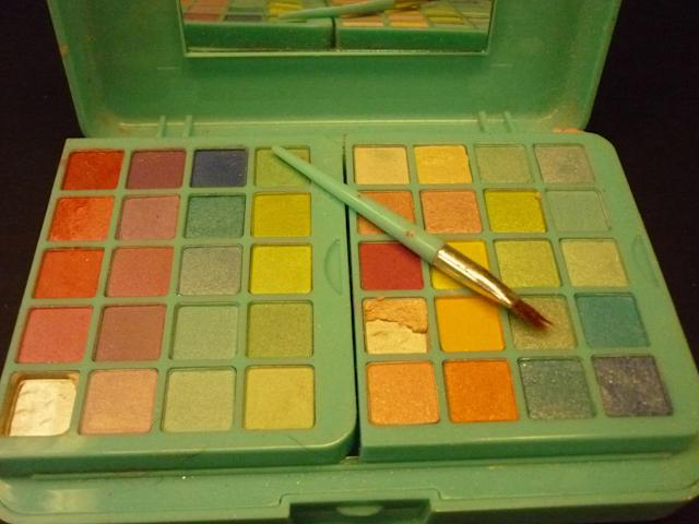 One mom tested her daughter's makeup kit from Claire's and discovered it contained asbestos. (Photo: Courtesy of Kristi Warner).