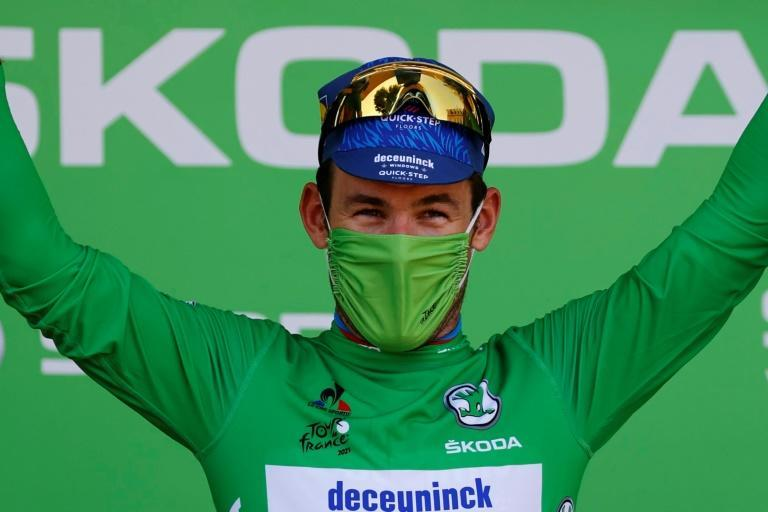 Mark Cavendish in green again after his record win