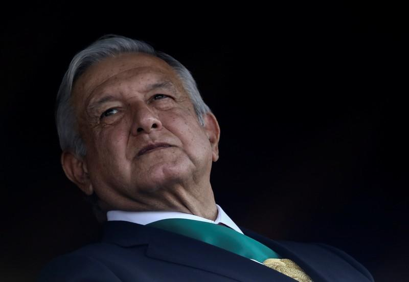 Mexico's top military brass offer president public loyalty pledge