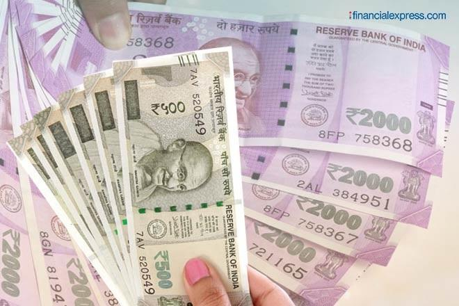 regular income, irregular income, absence of regular income, smart money tips, personal finance, Grow savings, avoid debt trap, Financial planning for those with irregular income
